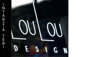 kétoldalas cégér plasztikus intartziázott felirattal