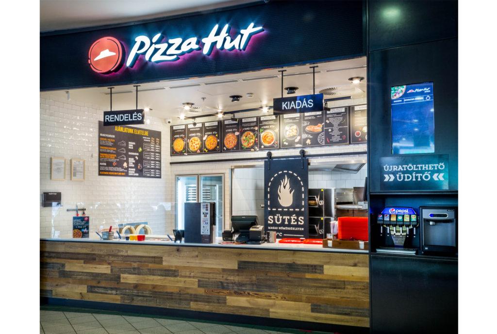 reklámfelirat világító felirat dekoráció pizza hut Budaörs bepro
