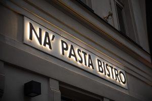 napasta budapest világító felirat logó bepro